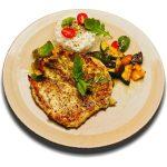 Rozmaringos-bazsalikomos csirkemell steak grillezett zöldségekkel és párolt jázminrizzsel